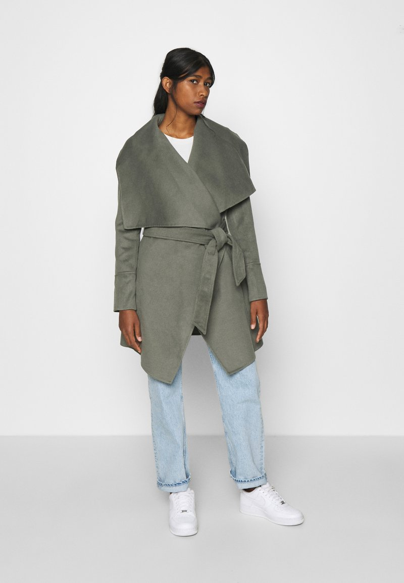 Forever New - WILLOW WRAP COATS - Classic coat - green
