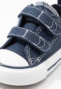 Converse - CHUCK TAYLOR ALL STAR - Trainers - athletic navy/white - 2