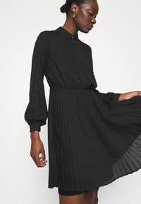Closet - PLEATED DRESS - Shirt dress - black - 3