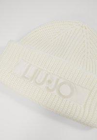 LIU JO - CUFFIA LOGO PUNTO TAPPETO - Lue - bianco lana - 2