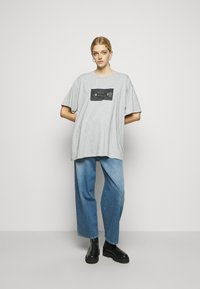 MM6 Maison Margiela - Print T-shirt - melange grey - 1