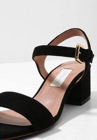 L'Autre Chose - MID HEEL - Sandals - nero - 6