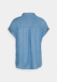 TOM TAILOR DENIM - LIGHT DENIM SHORTSLEEVE - Print T-shirt - used light stone blue denim - 6