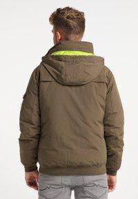 Mo - Winter jacket - militär oliv - 2