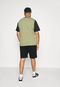 Calvin Klein - Shorts - black - 2
