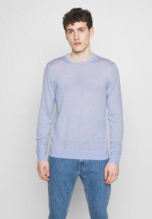NICHOLS - Stickad tröja - celestial blue