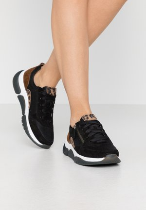ROLLING SOFT  - Trainers - schwarz/savanne/whisky
