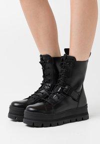 UGG - SHEENA - Platform ankle boots - black - 0