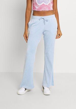ROXANNA TROUSERS - Kalhoty - light blue