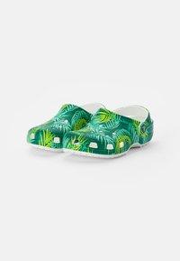 Crocs - CLASSIC CLOG - Mules - white/multi - 1