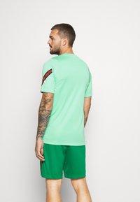 Nike Performance - PORTUGAL - Klubtrøjer - mint/sport red - 2
