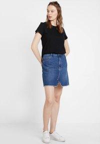 Cotton On - THE CREW - Basic T-shirt - black - 1