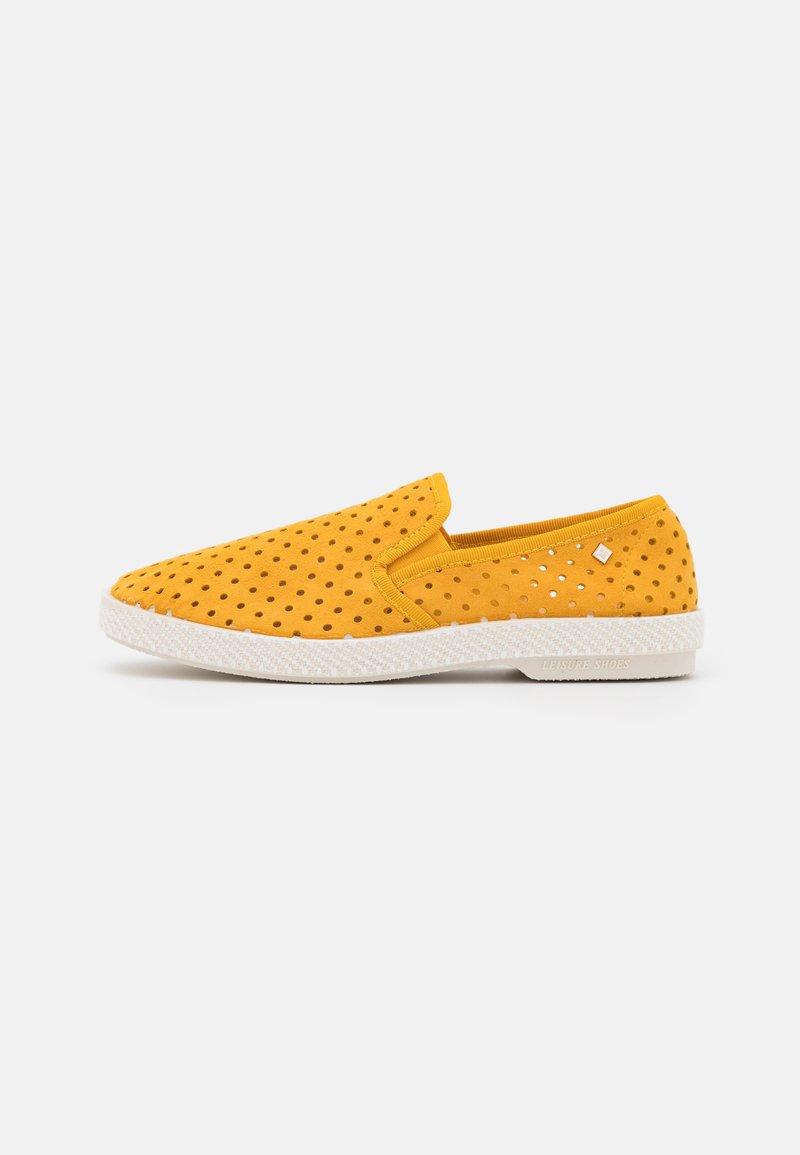 RIVIERAS - UNISEX - Nazouvací boty - punch yellow