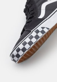 Vans - SK8 UNISEX - High-top trainers - asphalt/true white - 5