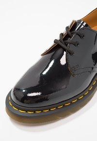 Dr. Martens - 1461 3 EYE SHOE PATENT LAMPER - Lace-ups - black - 2