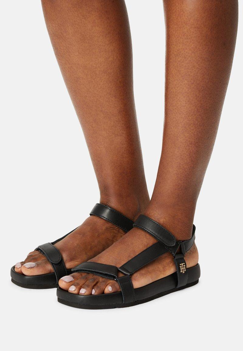 Tommy Hilfiger - INTERLOCK FLAT - Sandals - black
