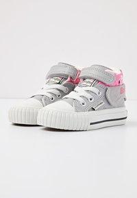 British Knights - ROCO - Baby shoes - lt grey/flamingo - 2