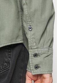 G-Star - ARC 3D SLIM SHIRT L\S - Skjorter - olive - 5