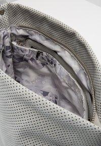 SURI FREY - ROMY BASIC - Across body bag - grey - 4