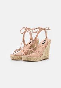 ONLY SHOES - ONLAMELIA WRAP KNOT - Sandály na platformě - light pink - 2