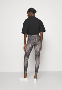 Abercrombie & Fitch - WELLNESS - Leggings - Trousers - grey marble wash - 2
