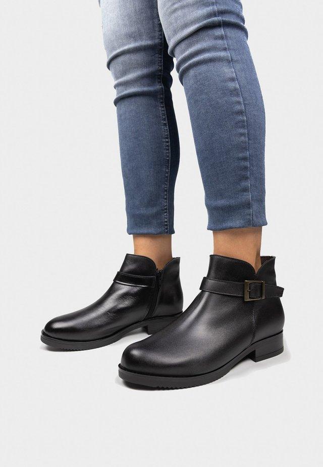 BOTIN - Korte laarzen - black