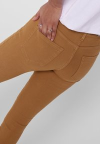 ONLY - ONLY SKINNY FIT JEANS ONLBLUSH MID ANKLE - Jeans Skinny Fit - chipmunk - 3