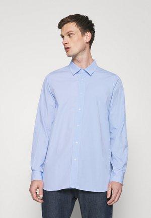 CLASSICDESTROYED SHIRT LOGO - Overhemd - light blue