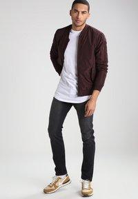 YOURTURN - Basic T-shirt - white - 1