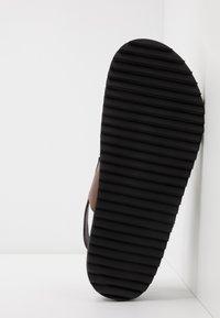 Shoe The Bear - VIGO - Sandals - brown - 4