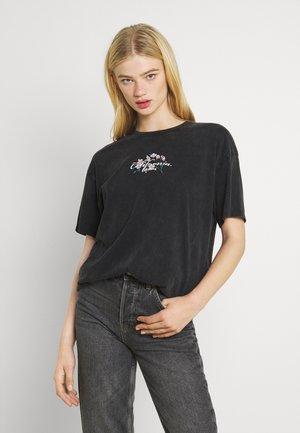 CHERRY BLOSSOM TEE - Print T-shirt - black