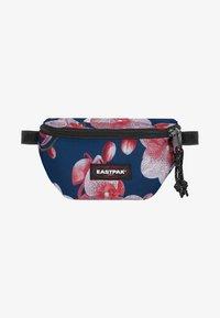 Eastpak - SPRINGER CHARMING GARDEN - Bum bag - charming pink - 0