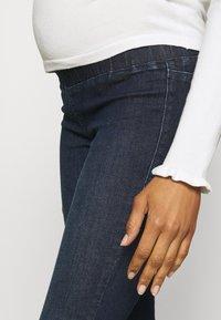 MAMALICIOUS - MLLOLA RECYCLED SLIM LEGGINGS  - Jeans Skinny Fit - dark blue denim - 4