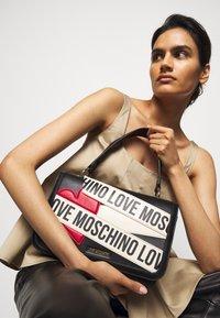 Love Moschino - BORSA - Handtasche - black - 0