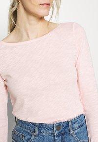 Marc O'Polo - LONG SLEEVE BOAT NECK - Long sleeved top - rose cream - 5