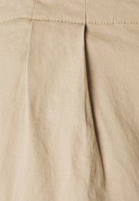 Vero Moda Tall - VMEVANY STRING ANKLE PANT - Trousers - beige - 2