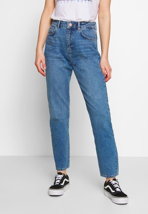NMISABEL  MOM  - Relaxed fit -farkut - medium blue denim