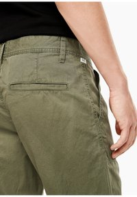 QS by s.Oliver - Shorts - thyme - 5