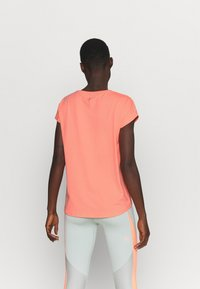 ONLY Play - ONPAUBREE - Basic T-shirt - neon orange - 2
