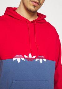 adidas Originals - SLICE HOODY - Hoodie - crew blue/scarlet - 5