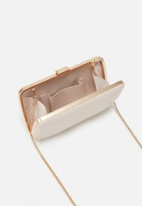 Forever New - NATALIE CLASP - Clutch - nude - 2
