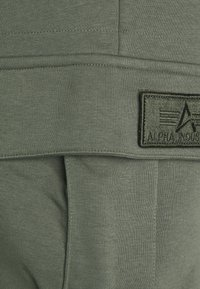 Alpha Industries - TERRY JOGGER - Pantaloni sportivi - dark olive - 2