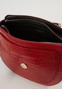 Claudie Pierlot - Across body bag - rouge - 6