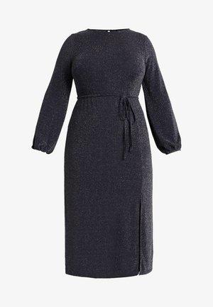 METALLIC YARN DRESS - Žerzejové šaty - silver
