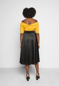 Vero Moda Curve - VMNIMI MIDI SKIRT - A-line skirt - black - 2
