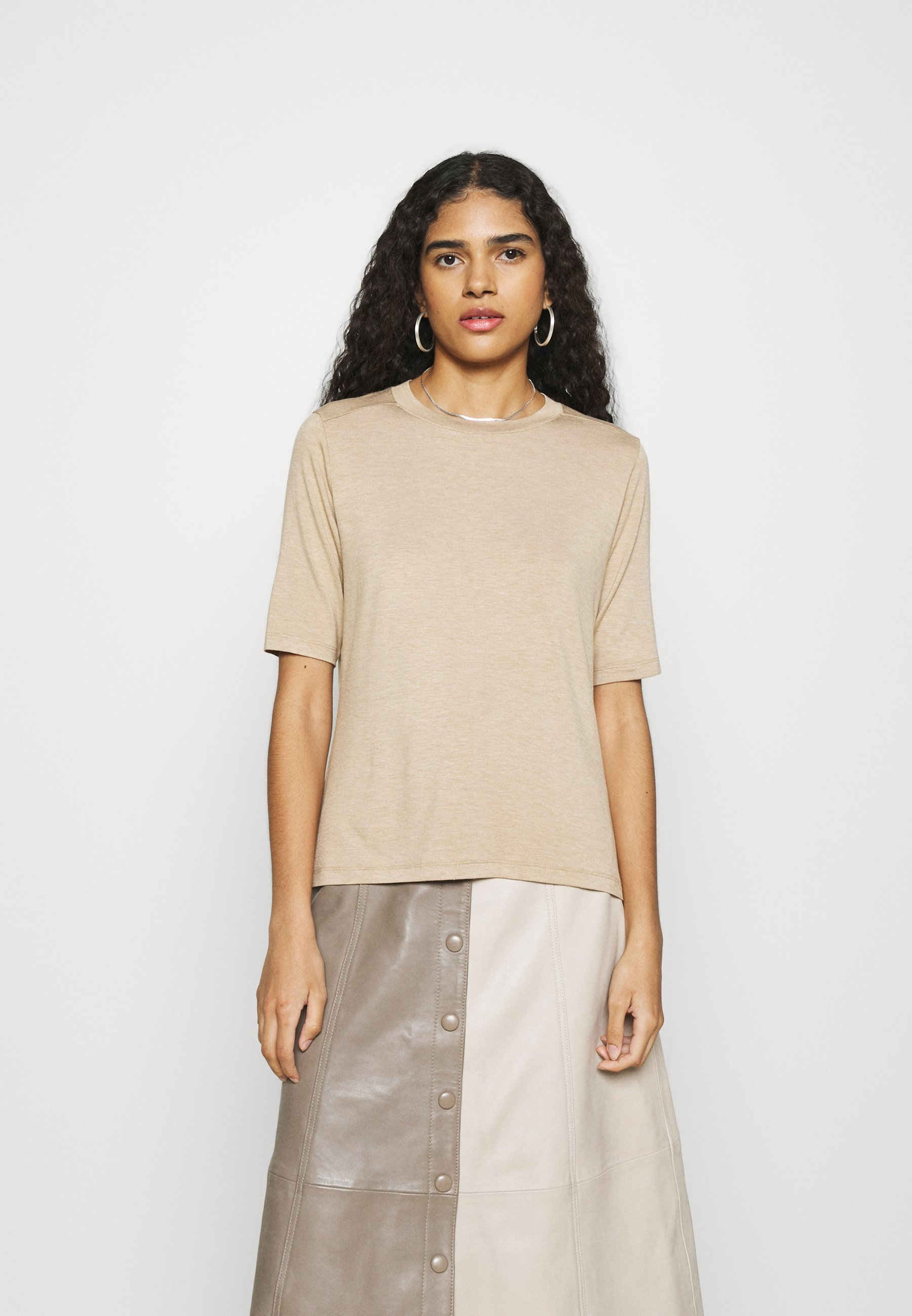 Women SIGNATURE ELBOW SLEEVE - Basic T-shirt