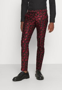 Twisted Tailor - FOSSA SUIT SET - Puku - black red - 3