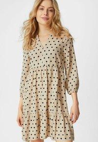 C&A - Day dress - beige - 0