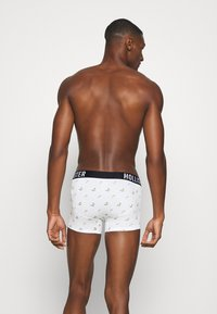 Hollister Co. - CORE PATTERN 3 PACK - Pants - white convo - 1
