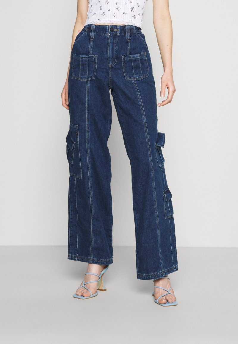 BDG Urban Outfitters - LOW RISE CARGO - Jeansy Straight Leg - blue